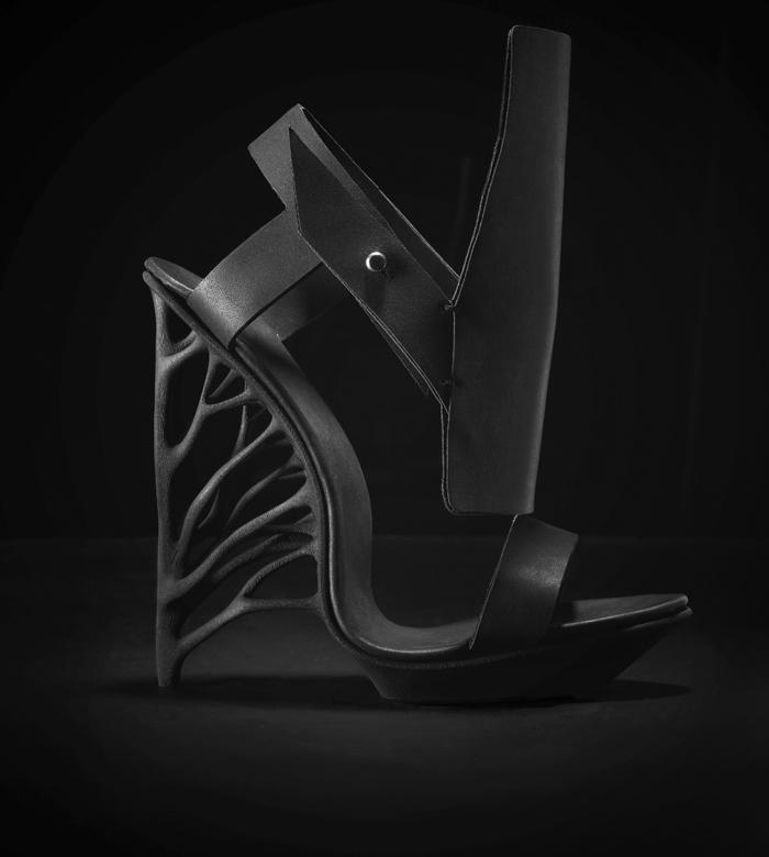 Juxtapose: A new 3D printed Shoe by Marieka Ratsma