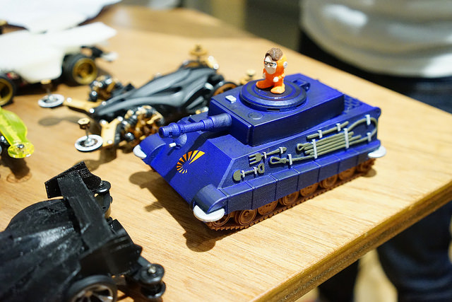 The Stratasys team 3D printed a tank-shaped mini 4WD with a little figurine of their CEO!