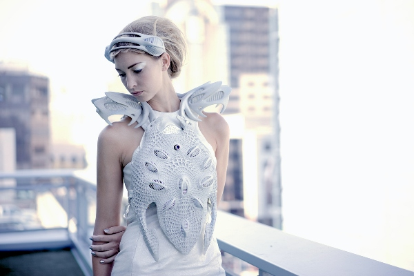 "Anouk Wipprecht's Intel-Edison-powered, 3D-printed ""Synapse Dress"" © Jason Perry"
