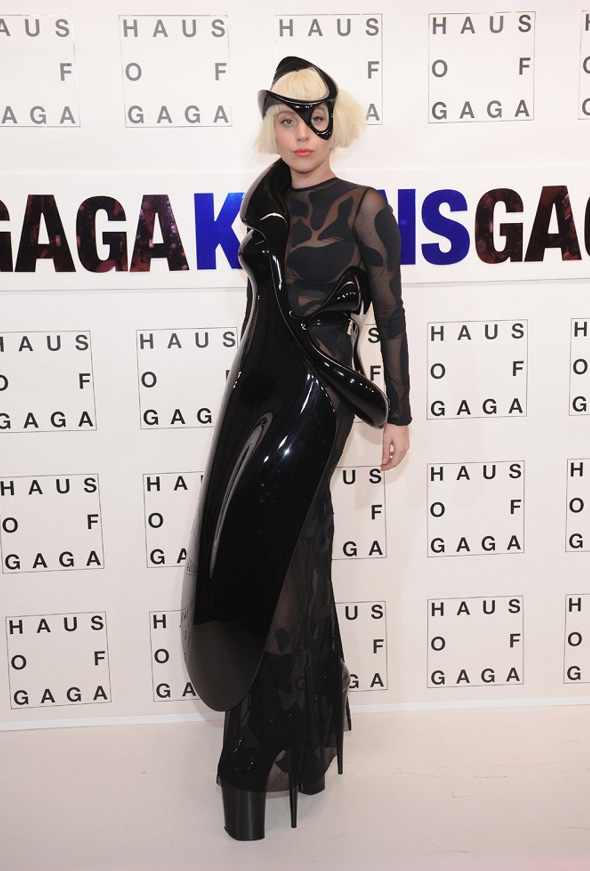 Pictured: The hard part of Lady Gaga's black dress was 3D printed on a Mammoth Machine.