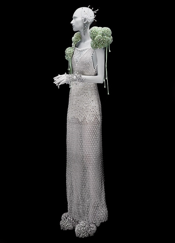 "3d printing fashion: Melinda Looi's ""Dive Into Me"" gown – one of the world's first full length 3D gowns, printed in a single part."
