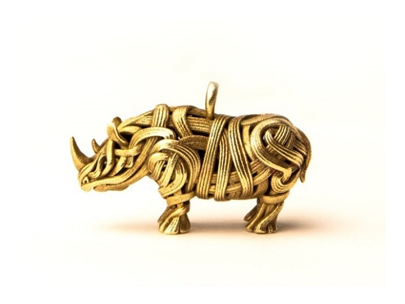 3Dプリントならではのデザイン。The Rhino Pendant by Genghis Designs