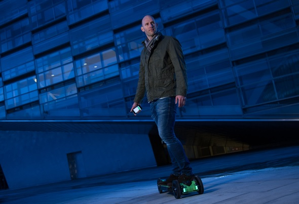 Sune Pedersen on the Hyperboard R2, a 3D printed longboard.