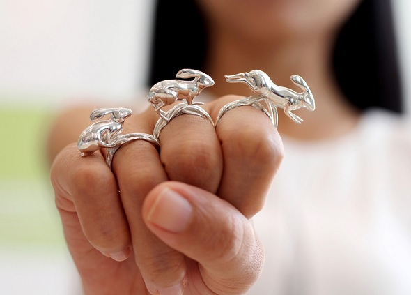3D printed jewelry by Desmond Chan.