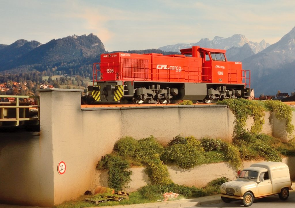 3d-printed-scale-model-train