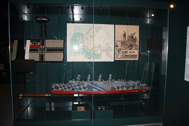 WWI Mauretania model ship