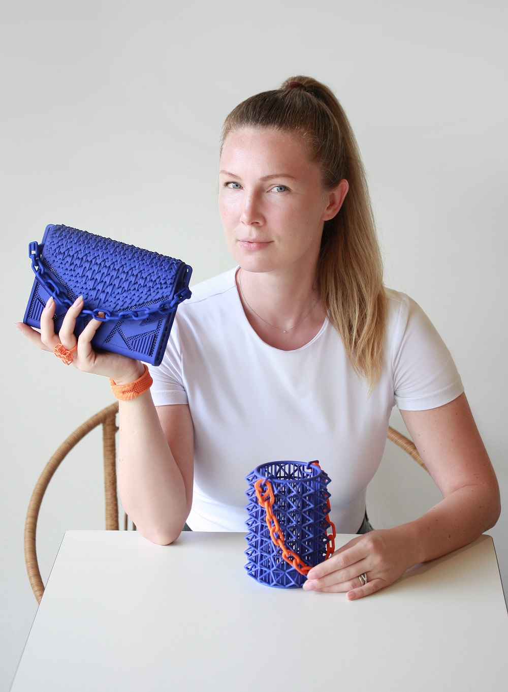From Swarovski Competition To Reusable Bag: How An Innovative Designer Created A Fully 3D-Printed Purse