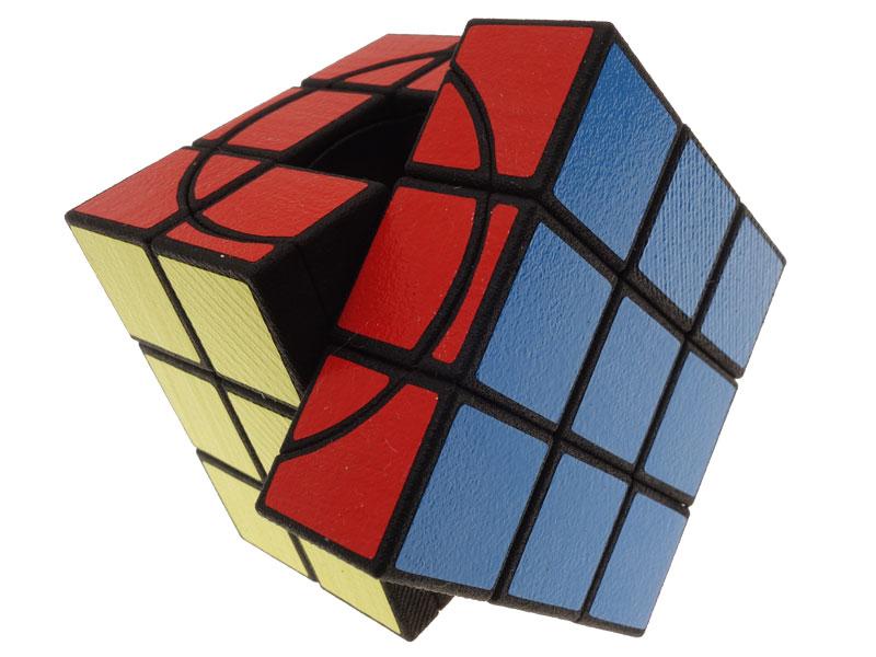 Void-Screw-Cube---view-02