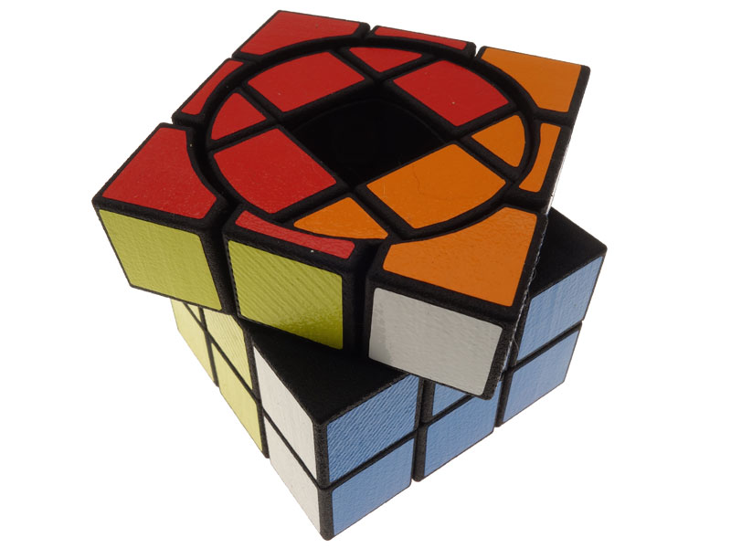 Void-Screw-Cube---view-04