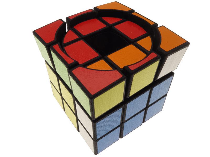 Void-Screw-Cube---view-05