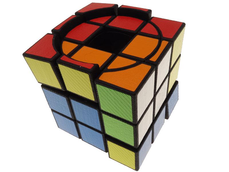 Void-Screw-Cube---view-07