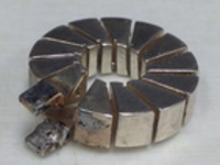 Toroidal inductor with a square cross section